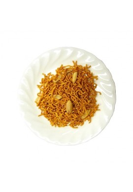 Baby Star Ramen (Dried Ramen Snacks Chicken Flavors with Peanuts)